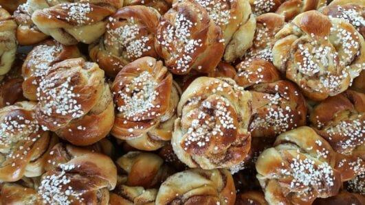 kanelbulle-fika-in-zweden